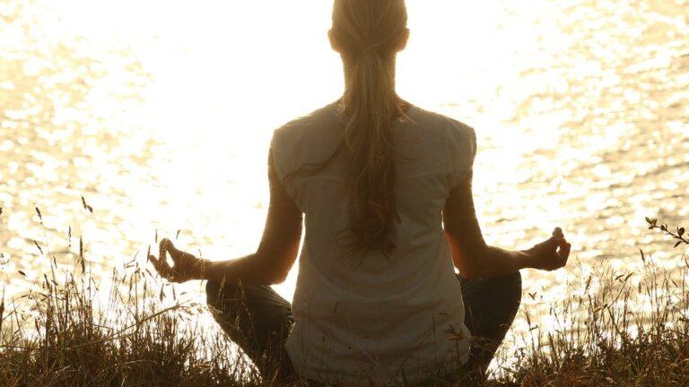 meditate 1851165 960 720